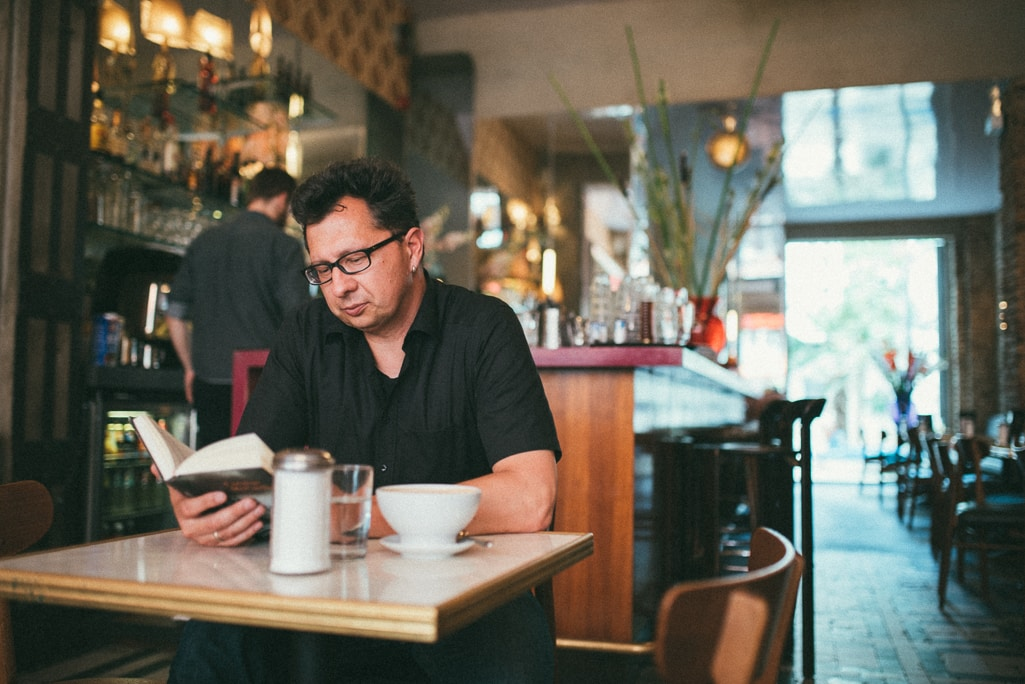 Vera Prinz_Kaffeehaussitzer_Uwe Kalkowski_004