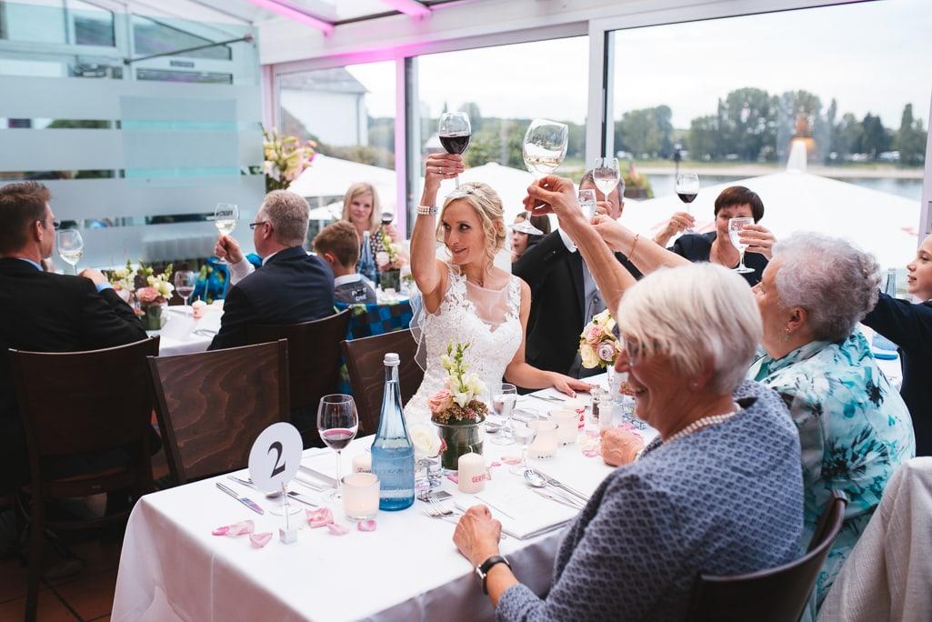 Vera Prinz_Hochzeit Kerstin & Rene_Köln Rodenkirchen Rheinstation_069