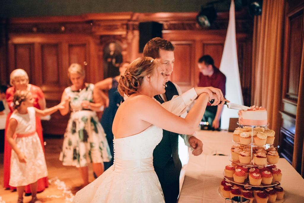 Vera Prinz_Hochzeit Michelle & Eric_Basel Eishockey Schlüsselzunft Villa Wenkenhof _163 (2)