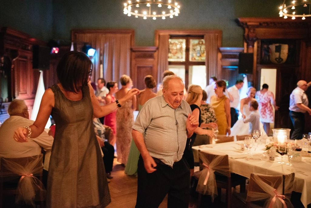 Vera Prinz_Hochzeit Michelle & Eric_Basel Eishockey Schlüsselzunft Villa Wenkenhof _163