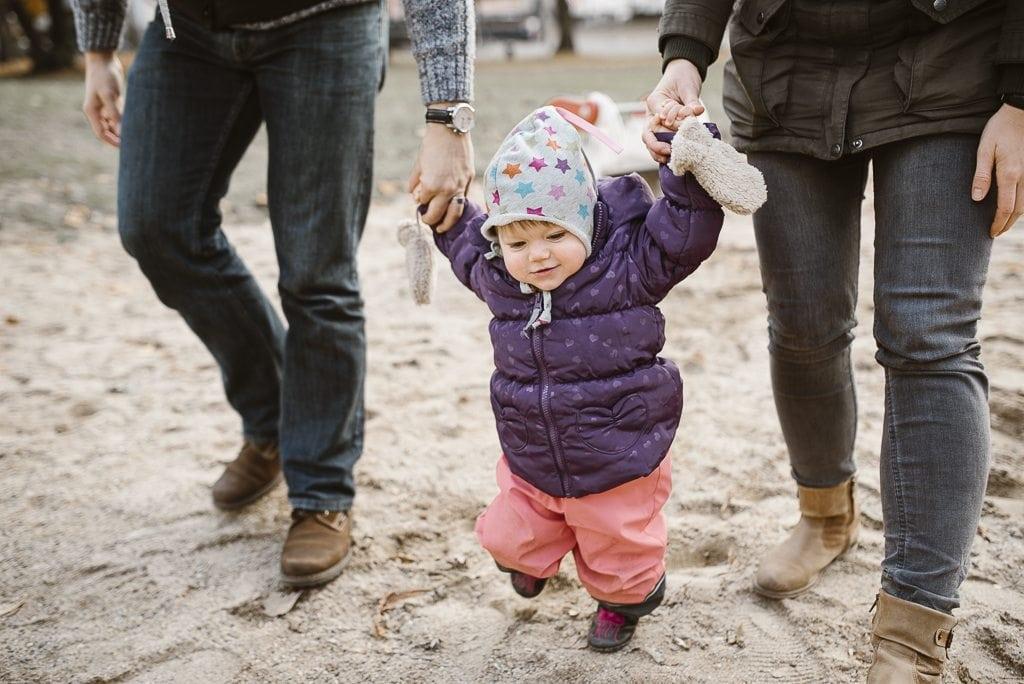 vera-prinz_familienfotos_familienshooting_kinderfotos_outdoor_koeln_julia-family_034