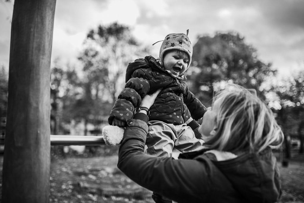 vera-prinz_familienfotos_familienshooting_kinderfotos_outdoor_koeln_julia-family_040