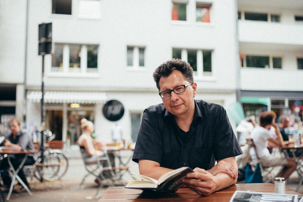 Vera Prinz_Kaffeehaussitzer_Uwe Kalkowski_008