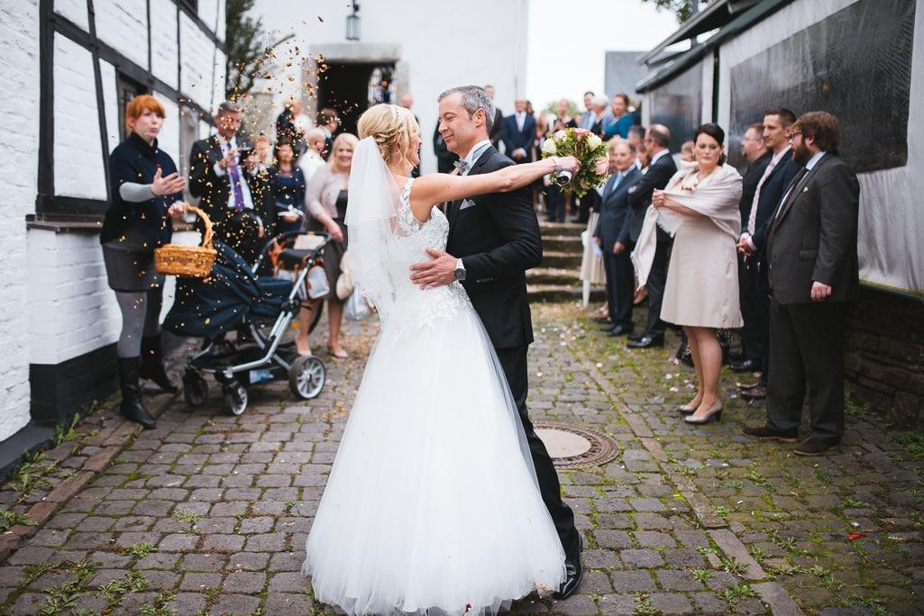 Vera Prinz_Hochzeit Kerstin & Rene_Köln Rodenkirchen Rheinstation_040