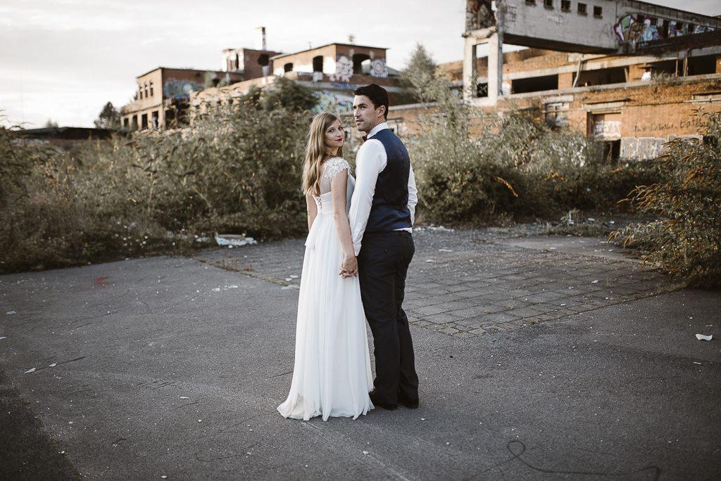vera-prinz_boho_vintage_hippie_paarshooting_after-wedding_koeln_038