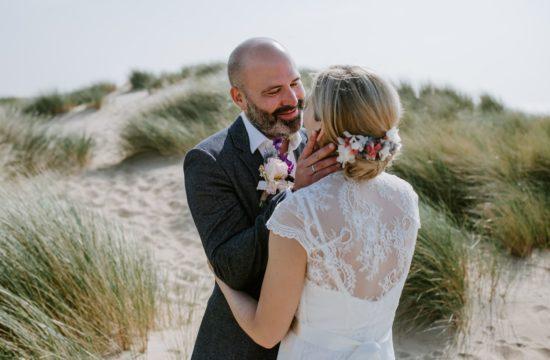 Hochzeitsfotograf-Köln_Hochzeit_Scheveningen_Strandhochzeit-Holland_Strandclub-Naturel_NRW__Beach-Wedding-Netherlands_Boho_Vintage_Hippie_Elopement_Vera-Prinz